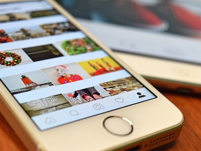 smartphone avec application instagram